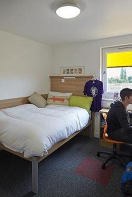 UE - Hostel