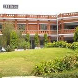Lal Bahadur Shastri Girls College of Management