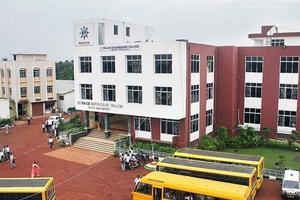 SEC - Building