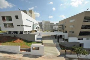 RVCA - Hostel