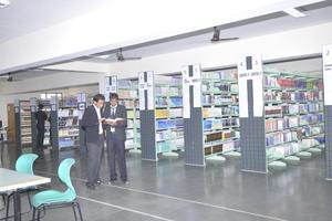 JU  - Library
