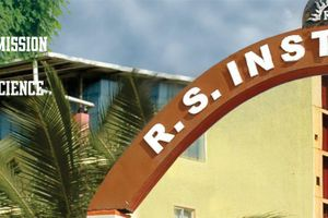 RS COLLEGE - Primary