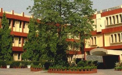 Sri Venkateswara College (SVC), New Delhi Images, Photos, Videos