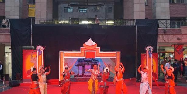 "Amity University's Sports Meet ""Sangathan 2015"" Concludes"
