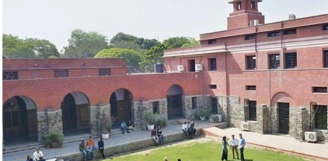 Delhi University to Ensure Equal Distribution of Students in Modern Indian Languages