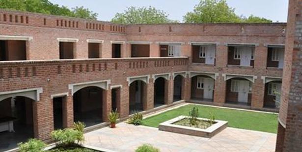 Admission Notice -  EDII Ahmedabad Announces PGDM-BE 2016