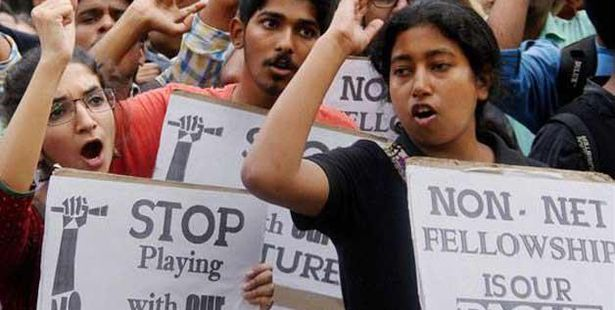 Students Marched to MHRD over UGC's Move on NET