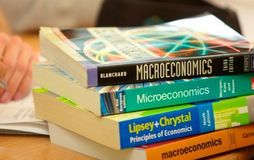 Top 10 Economics Colleges in Delhi University